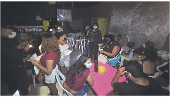 Agentes policiales realizan operativos en los distritos de Corrales, Papayal, San Jacinto y Zarumilla, multando a todos los infractores.