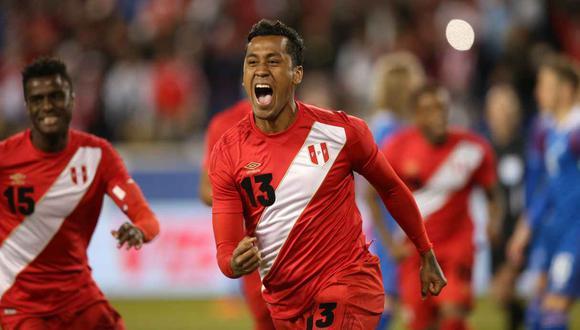 La selección peruana felicitó a Renato Tapia. (Foto: GEC)