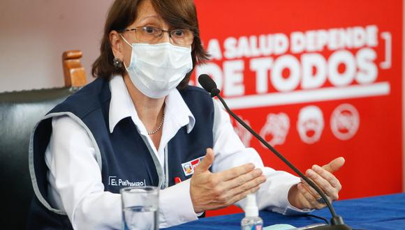 La ministra de Salud, Pilar Mazztti, dijo que esta distribución se está realizando con ayuda de un avión de las Fuerzas Armadas que viene recorriendo diferentes regiones del país. Foto: ANDINA/ Minsa