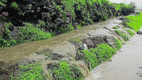 Una obra mal elaborada que amenaza con inundar cultivos y viviendas