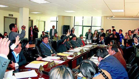 Humo blanco para que Agustín Luque asuma riendas del gobierno regional