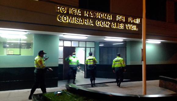 Policías de la jurisdicción donde se ubica la tienda de comida al paso se movilizaron tras el pedido de auxilio
