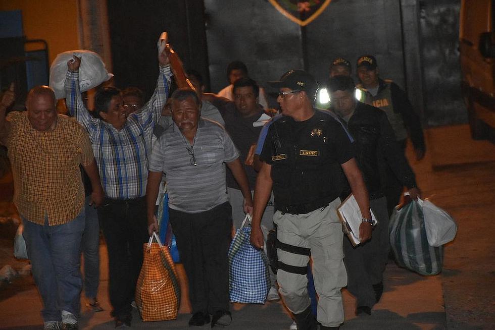 Multitud de personas recibieron a los excarcelados de los Limpios de Tacna