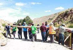 Bloquean ingreso al distrito de Chupa, provincia de Azángaro