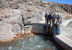 Proyecto Pasto Grande descarga agua de la represa