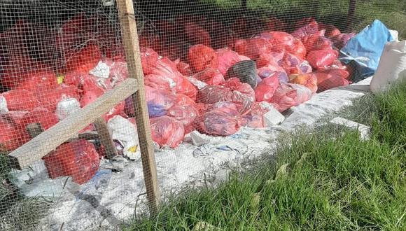 Basura biocontaminante no tiene buen manejo en varios centros de salud y es un alto riesgo para el personal de salud, incluso la guardan en infraestructuras similares a galpones para criar pollos