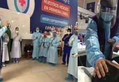 Sacerdote reza con pacientes y médicos en la Villa Huánuco