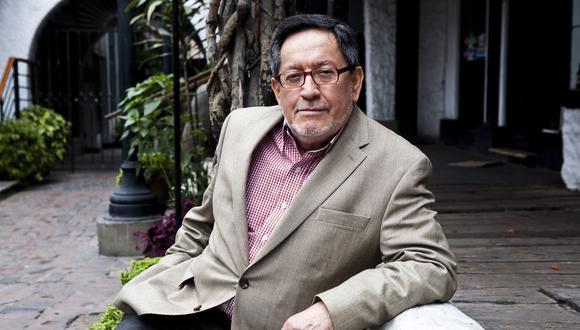 El crítico literario peruano Julio Ortega es parte del programa junto a destacados intelectuales como Peter Elmore, Luis Fernando Chueca, José Antonio Mazzotti y Rocío Quispe-Agnoli. (Foto: Leslie Searles)