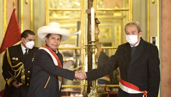 Carlos Gallardo está vinculado a la Fenate Perú, facción magisterial fundada por Pedro Castillo. (Foto: Presidencia)
