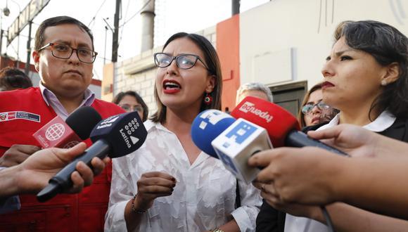 La congresista electa Arlette Contreras declarando a la prensa (Foto:GEC)