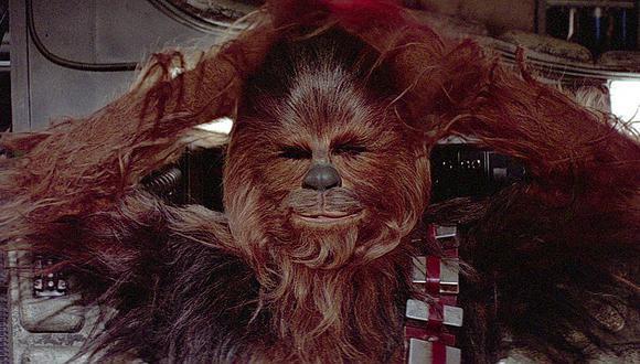 'Star Wars: El despertar de la fuerza': Escena eliminada muestra a un Chewbacca violento (VIDEO)