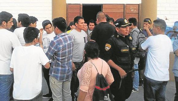 """Trujillo: Sorprenden a menores en """"fiesta semáforo"""""""