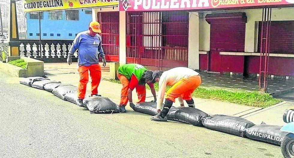 Multarán con 420 soles a ciudadanos que no retiren sacos de arena
