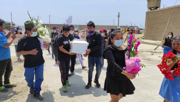 Sus restos fueron llevados al cementerio de Moche, luego de una misa virtual. Homicida podría ser condenado a cadena perpetua. (Foto: Alonso Gordillo)