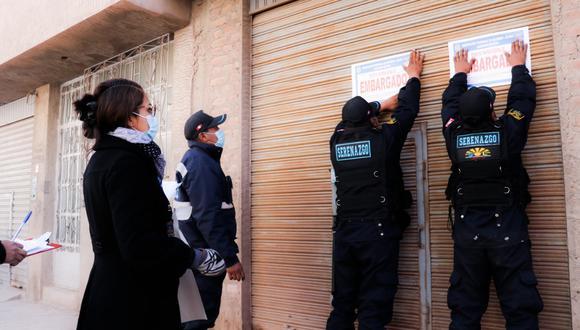 Personal del área de Ejecución Coactiva realizó dos notificaciones. (Foto: Feliciano Gutiérrez)