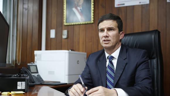 """""""Una de ellas, en tono conminatorio, señalaba cuidar el legado de mi apellido y que recuerde lo ocurrido con PPK"""", precisó el ministro Luis Miguel Incháustegui."""