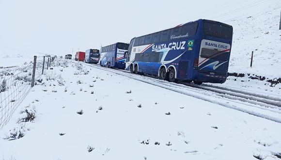 La nevada impidió el tránsito de vehículos en la zona norte de Puno.