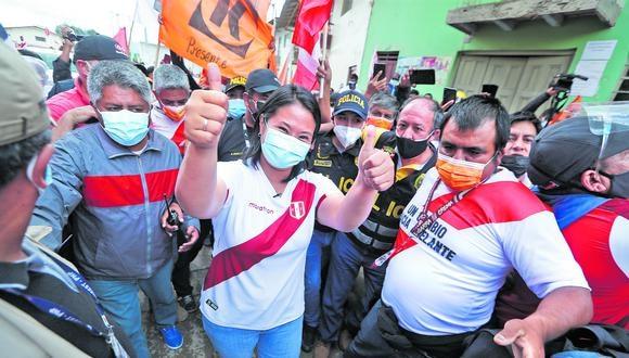 La candidata de Fuerza Popular aumentó tres puntos en comparación con la última encuesta, mientras Castillo, 1%. (Foto: Hugo Pérez / GEC)