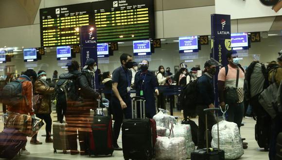 Ministro de Transportes y Comunicaciones, Carlos Estremadoyro, dio alcances sobre la reanudación de vuelos al extranjero, como parte de las medidas de reactivación económica.  (Foto: Jesus Saucedo / GEC)