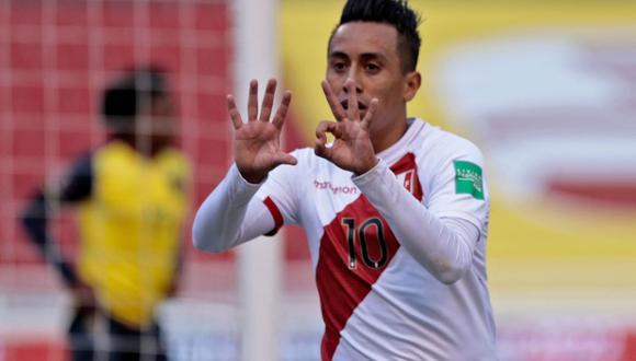 La dedicatoria de Christian Cueva por su gol anotado con la selección peruana. (Foto: AFP)