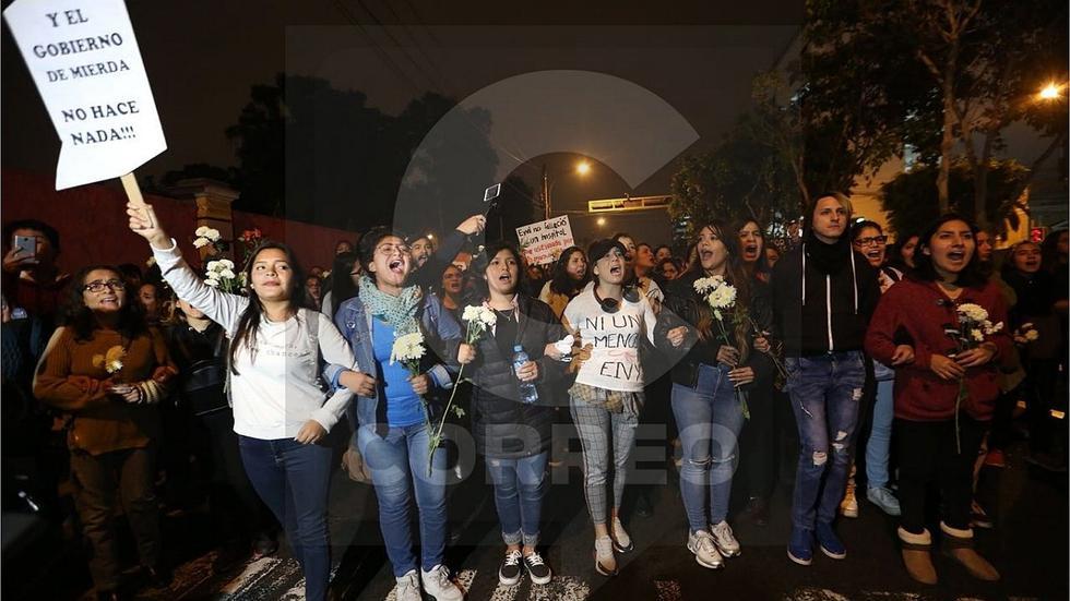 Así se desarrolló la marcha por la muerte de Eyvi Ágreda (FOTOS)