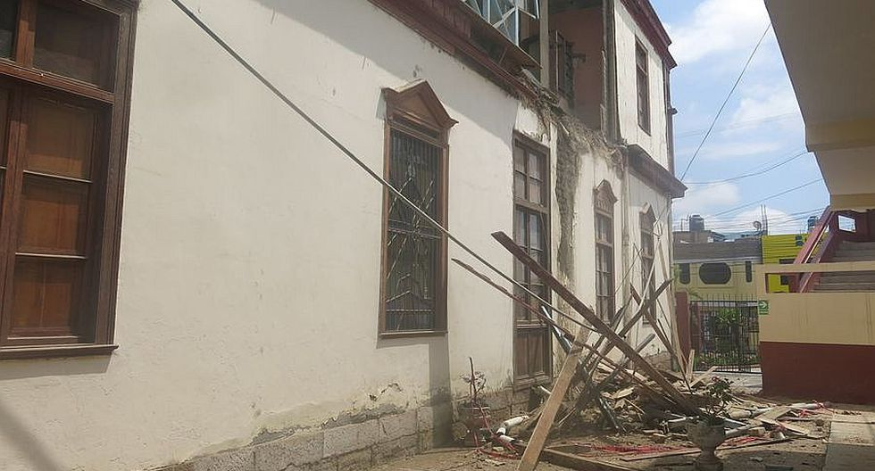 Lluvias desmoronan el muro de histórica casona del pedagógico Jiménez Borja