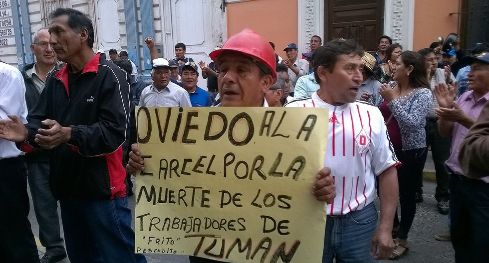 Azucareros de Tumán protestan por la venta de 30,000 bolsas de azúcar (VIDEO)