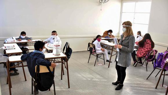Titular de Educación dio detalles sobre la planificación del Ejecutivo para que inicien las clases presenciales. (Foto: AFP)