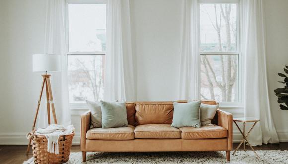 Dependiendo del grado de suciedad, debes lavar tus cortinas blancas varias veces al año. (Foto: Leah Kelley / Pexels)