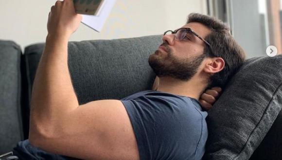 Giaccomo Ugarelli tiene 28 años, es profesor universitario, y ya es tendencia en todas las redes sociales.