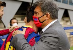 Messi y Laporta se abrazan y aumentan rumores de la continuidad del argentino en Barcelona (FOTO)
