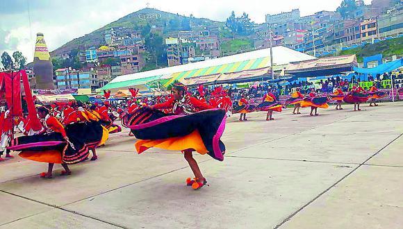 Iniciaron los concursos de danzas por carnavales en Juliaca