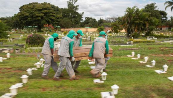En Brasil se identificaron 28.388 nuevos casos de COVID-19 en la última jornada. (Foto: EFE/Joédson Alves/Archivo)