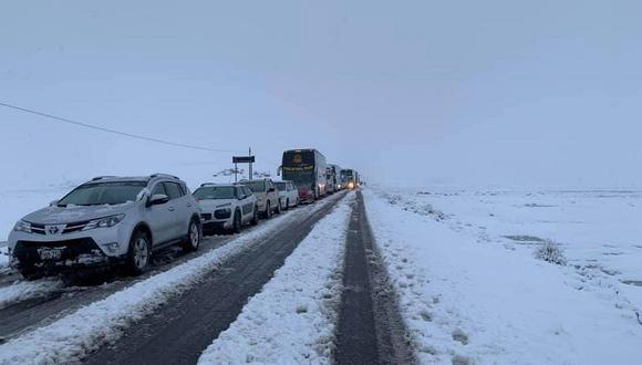 Cientos de vehículos quedaron varados en la carretera Arequipa-Puno-Cusco desde la tarde de hoy. (Foto referencial: Archivo)