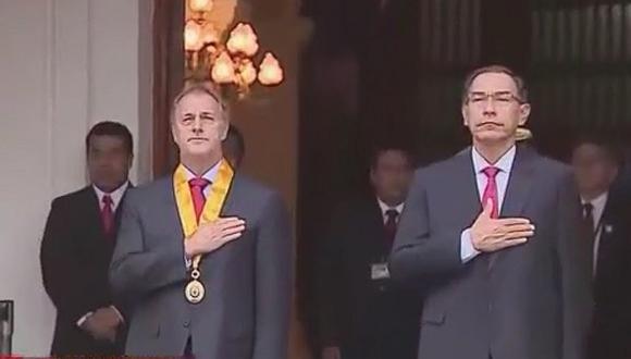 Presidente Vizcarra y alcalde Jorge Muñoz izaron la bandera por el 484 aniversario de Lima