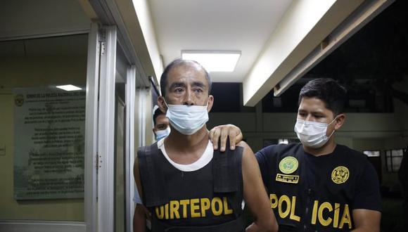 Oscar Narro fue llevado bajo estrictas medidas de seguridad desde el penal El Milagro a la ciudad de Tacna. (Foto: Arturo Gutarra)