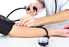 Hipertensión arterial: ¿Cuántas veces al día debe tomarse la presión para descartar este mal?