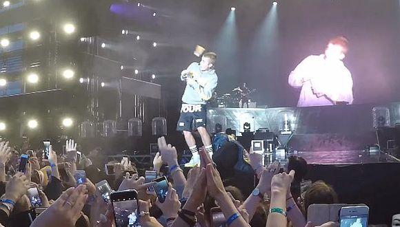 """YouTube: Justin Bieber recibió un botellazo por negarse a cantar """"Despacito"""" (VIDEO)"""