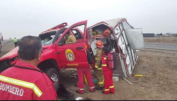Bomberos sufren aparatoso accidente cuando se dirigían a atender emergencia en Huacho (FOTOS Y VIDEO)