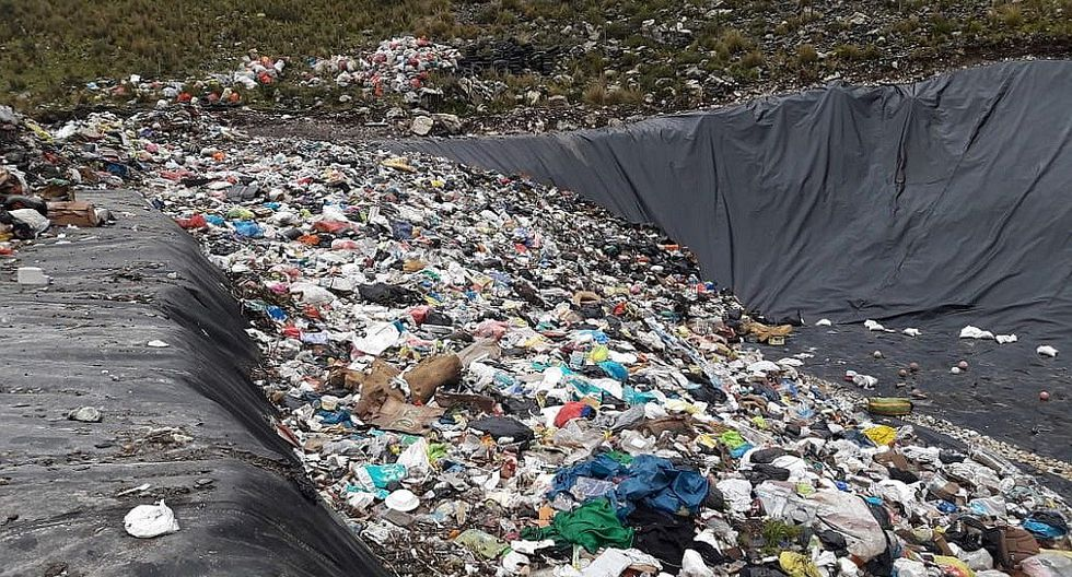 Cuestionan a funcionarios de la comuna de Huancavelica por mal manejo de la basura