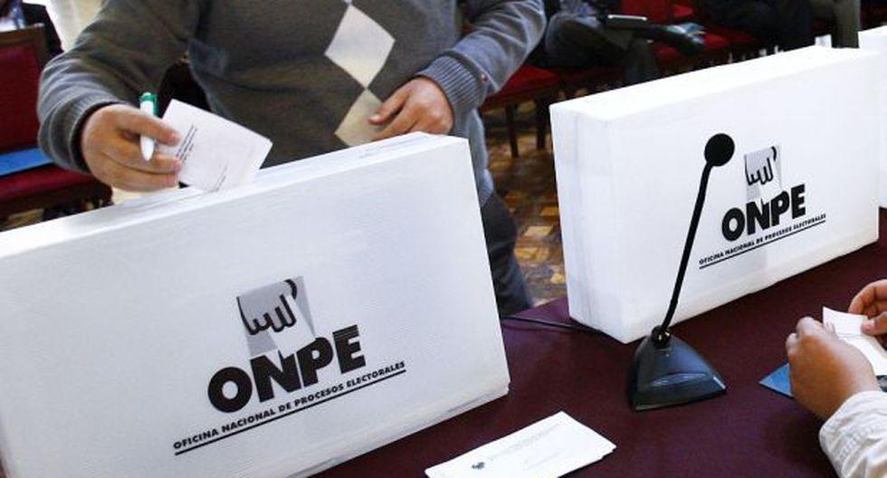 El congresista Hans Troyes, de Acción Popular, con el respaldo de otros nueve legisladores, presentó la iniciativa para eliminar la obligatoriedad del voto. (Foto: GEC)