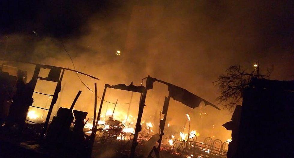 Tres casas arden en la madrugada y desatan pánico