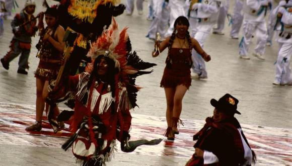 65 conjuntos para concurso de sicuris en Puno