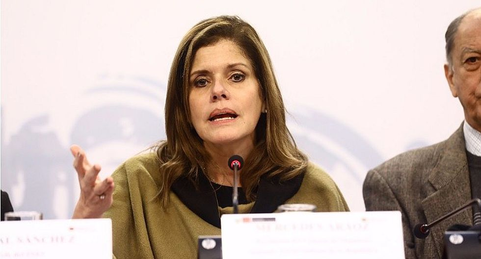 Mercedes Aráoz critica machismo imperante en las leyes y emplaza al Congreso