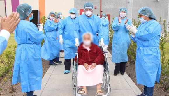 Ayacucho: Abuelita de 82 años se recupera de coronavirus y es dada de alta.