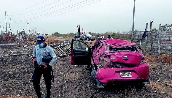 Un muerto y 2 lesionados deja despiste de un auto