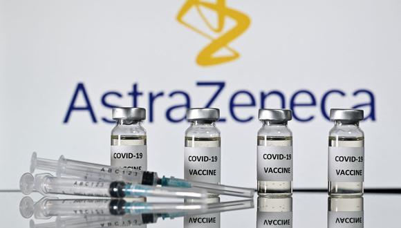 Según estudio la vacuna AstraZeneca redujo en 94% las hospitalizaciones de pacientes por coronavirus  (JUSTIN TALLIS / AFP).