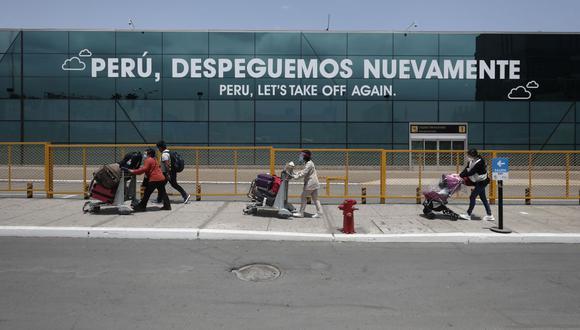 Peruanos optan por viajar al extranjero para ser vacunados contra el coronavirus. (Foto: Leandro Britto / GEC)