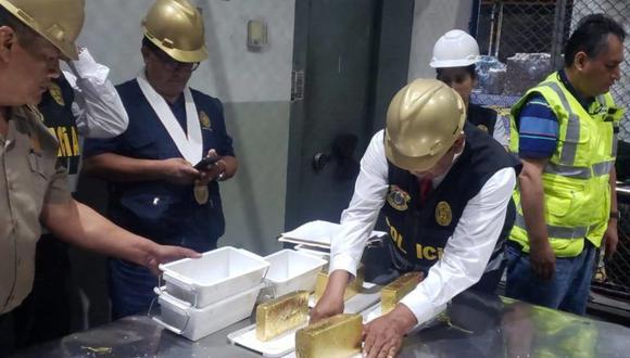 En febrero de este año la Policía y la fiscalía incautaron 120 kilos de oro procedentes de la minería ilegal en un almacén del Callao. Tenían como destino los Emiratos Árabes Unidos y Suiza. (Foto referencial de archivo: PNP)