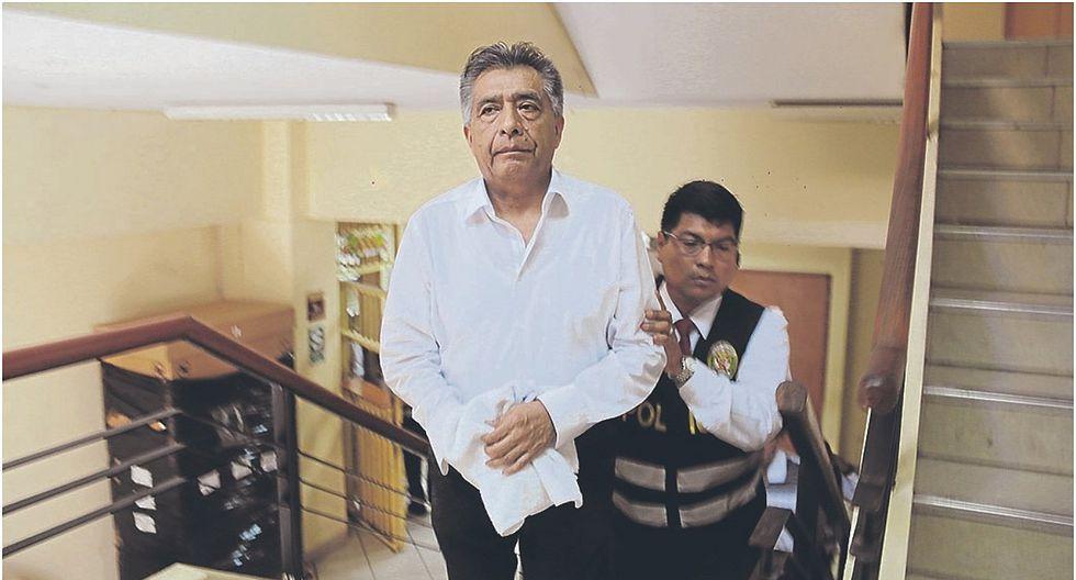 """""""El Moralista"""" revela que dos gerentes de la MPCh cobraron coima sin avisarle a Cornejo"""